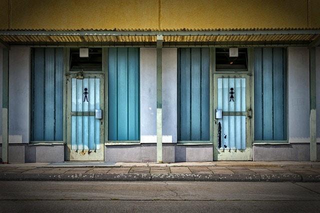 Urination Comfort Room
